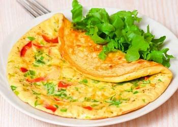 Krāsainā dārzeņu omlete