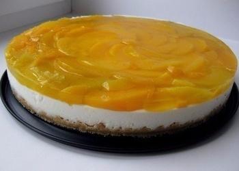 Biezpiena krēma kūka ar persikiem