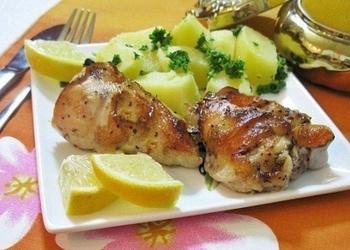 Krāsnī cepta vistas gaļa ar citronu