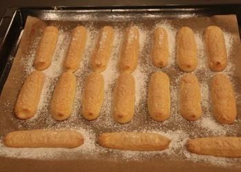 Savojardi jeb dāmu pirkstiņi - cepumi Tiramisū pagatavošanai