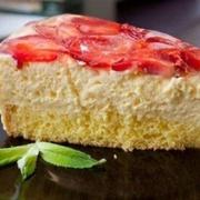 """Mascarpone"" siera krēma – zemeņu torte"