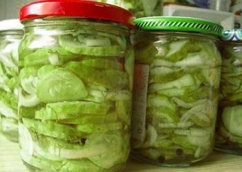 Svaigu gurķu salāti