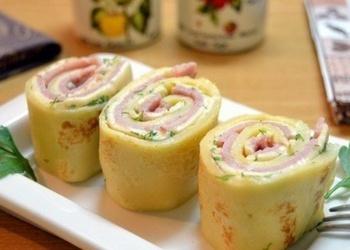 Pankūku ruletes ar šķiņķi un sieru