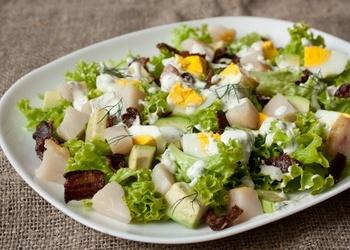 Салат из копченой салаки