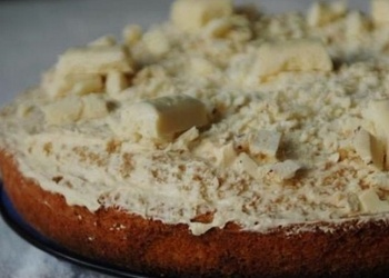 Iebiezinātā piena – banānu kūka