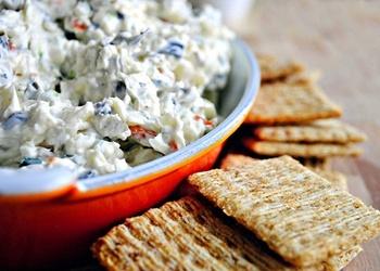 Salāti ar sieru un olīvām