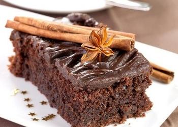 Mannas – šokolādes kūka ar skābo krējumu