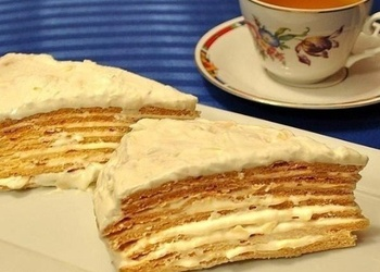 "Medus torte ""Parīzes kokteilis"""