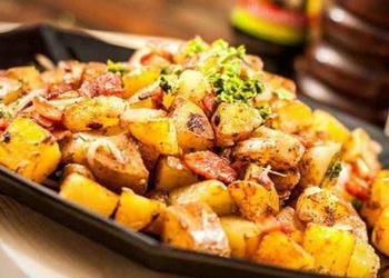 Kartupeļu sautējums ar sēnēm