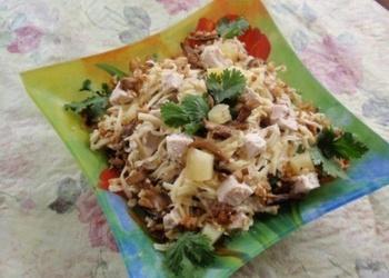 Vistas filejas salāti ar konservētiem ananāsiem