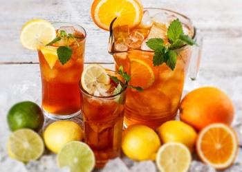 Aukstā citrusu tēja