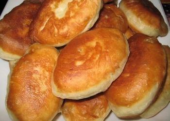 Ātrie kefīra mīklas pīrādziņi