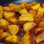 Kā pareizi izcept kraukšķīgus kartupeļus