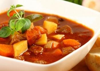 Ungāru gulaša zupa