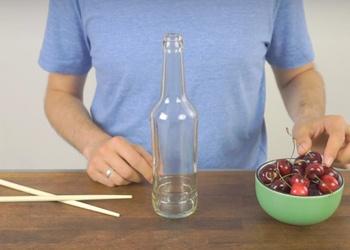 Vieglākais veids, kā attīrīt ķiršus no kauliņiem - VIDEO PADOMS