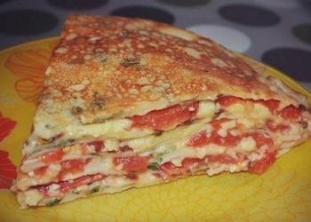 Pankūku torte ar tomātiem