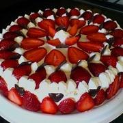 Ātrā zemeņu torte