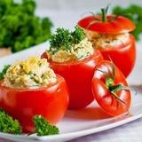 Ar sēnēm pildīti tomāti
