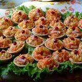 Tartaletes ar Korejas burkāniem, šķiņķi un sieru