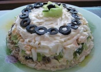 Vistas gaļas salāti ar marinētām sēnēm