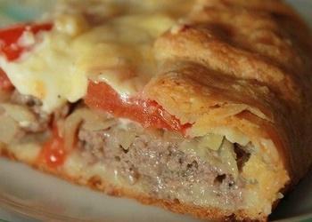 Kartupeļu pīrāgs ar gaļas pildījumu