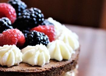 Banānu – valriekstu torte