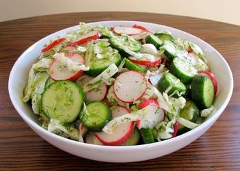 Gurķu salāti ar redīsiem