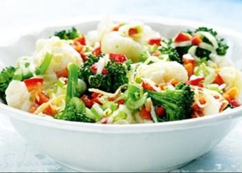 Karstie puķu kāpostu salāti