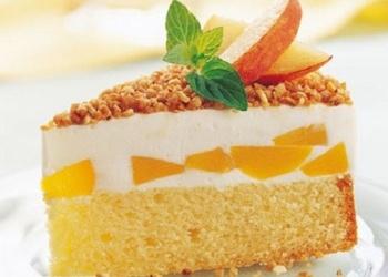 Persiku torte ar jogurta krēmu