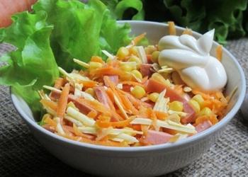 Kūpinātas desas un burkānu salāti
