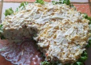 Kūpinātas zivs salāti ar mārrutkiem