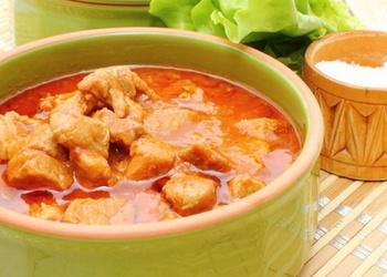 Vistas gaļas mērce ar saldo krējumu un sīpoliem