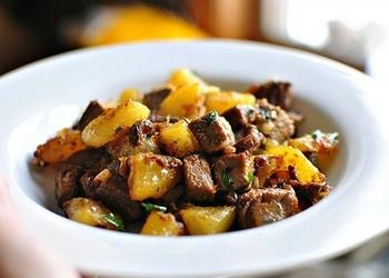 Cepti kartupeļi ar gaļu