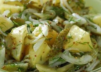 Kartupeļu salātu trīs receptes