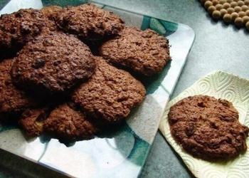 Šokolādes-auzu pārslu cepumi bez cukura