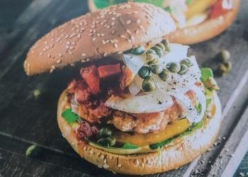 Laša burgeri ar marinētu fenheli