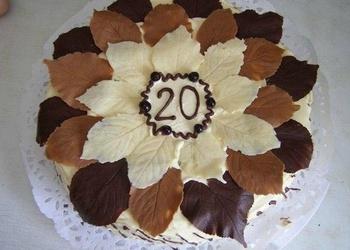 Kā pagatavot šokolādes lapiņas tortēm un kūkām