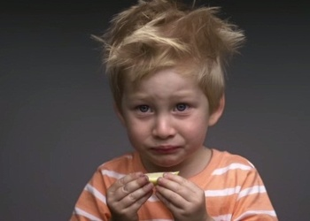 Ka mazi bērni reaģē uz nepazīstamām garšām