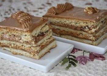 Biskvīta torte ar kondensētā piena krēmu