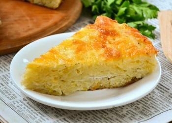 Rīvētu kartupeļu sacepums ar sieru un ķiplokiem