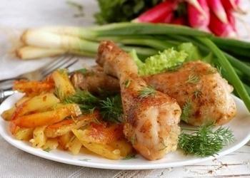 Kartupeļi ar vistas gaļu multikatlā