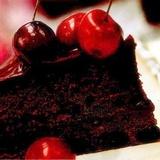 """Šokolādes torte """"Melnais princis"""" ar ķiršiem"""