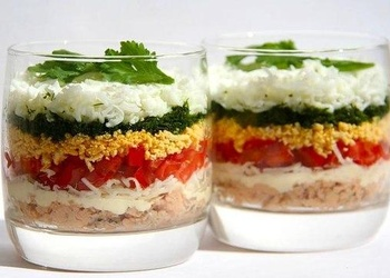 Kārtainie salāti glāzēs - svētku galdam