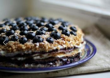 Pankūku torte ar biezpienu un melleņu džemu