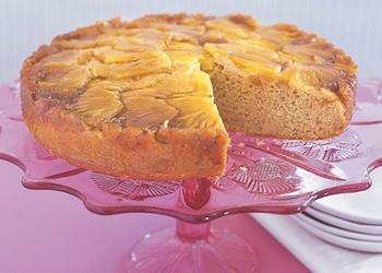 Ananāsu un ingvera kūka