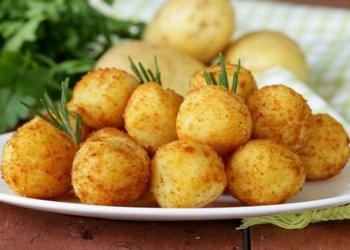 Kartupeļu bumbiņas garnēšanai
