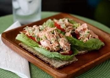 Diētiskie laša salāti