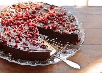 Šokolādes – dzērveņu kūka bez miltiem