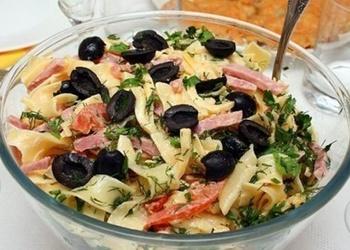 Makaronu salāti ar šķiņķi un sieru