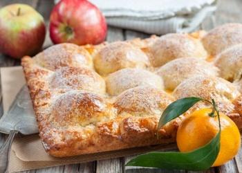 Biezpiena mīklas pīrāgs ar āboliem